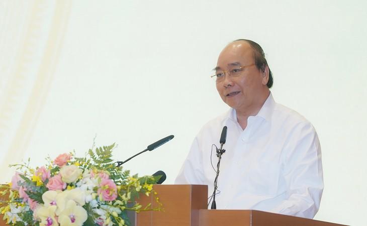 """នាយករដ្ឋមន្រ្តីវៀតណាមលោក Nguyen Xuan Phuc អញ្ជើញជួបសំណេះសំណាលជាមួយតំណាងឆ្នើមៗក្នុងការងារ """"ចលនាមហាជនយ៉ាងប៉ិនប្រសប"""""""